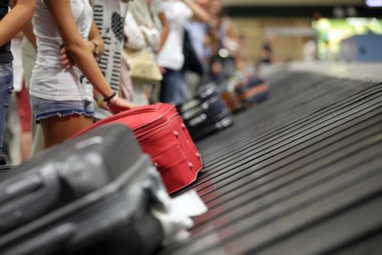Gepäckausabe am Flughafen
