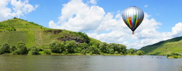 Ballon über dem Moseltal